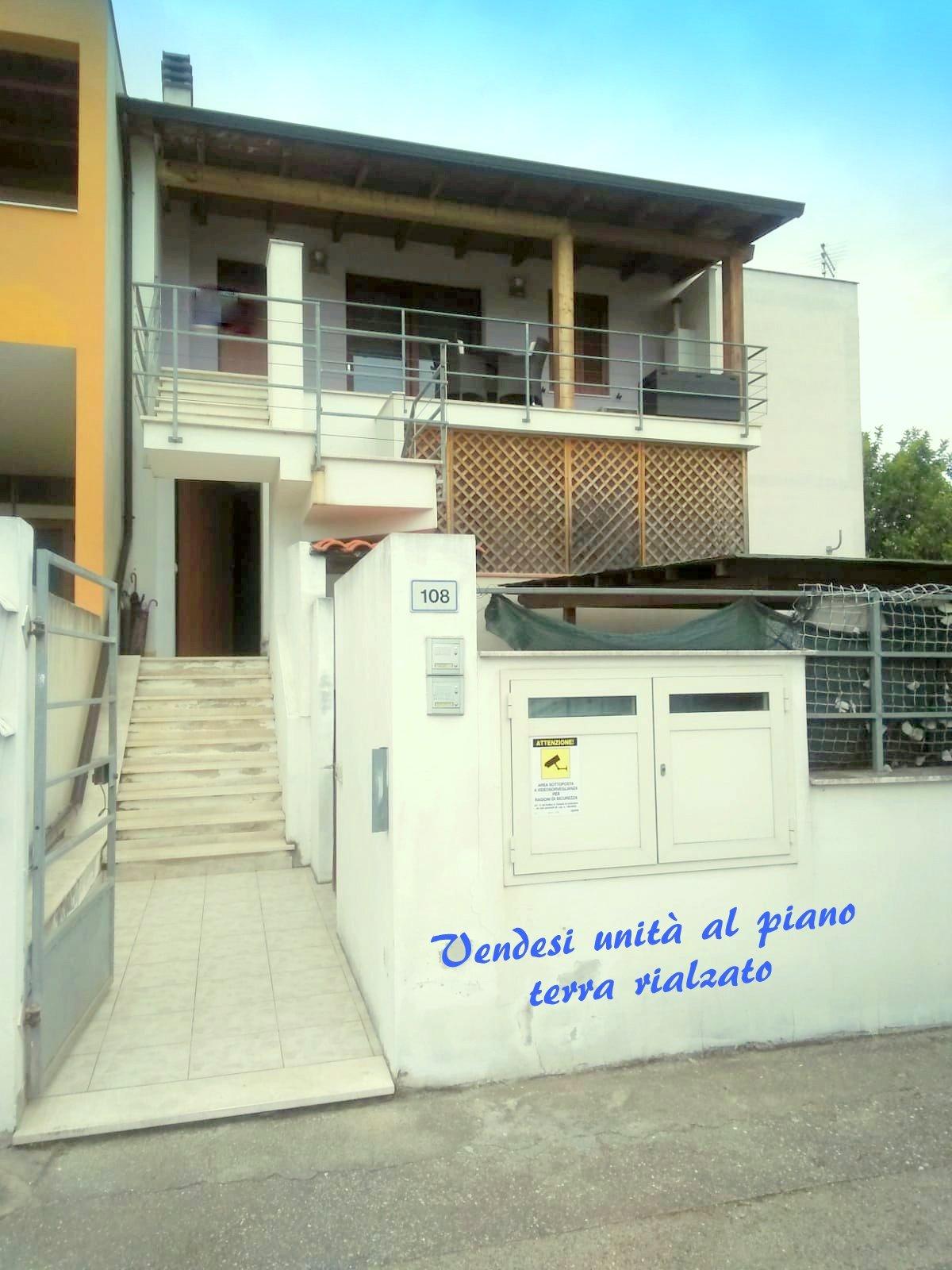 Appartamento p.t. rialzato, con veranda coperta